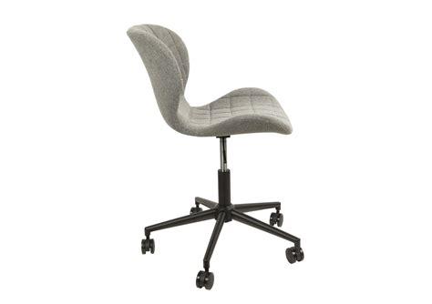 fauteuil de bureau pivotant sans roulettes chaise de bureau design omg office zuiver boite à design