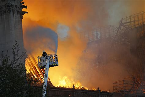 trump suggests water tankers  notre dame fire