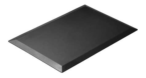 anti fatigue floor mat for standing desk 2017 standing desk buyer s guide standingdeskgeek com
