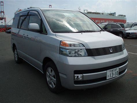 Toyota Voxy Picture by 2002 Toyota Voxy Photos