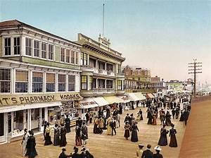 Atlantic City Boardwalk 1900 Digital Art by Unknown