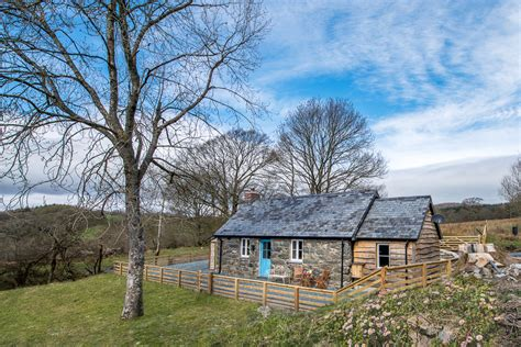 cottage wales one bedroom cottage in bala wales