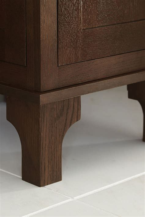 lille cabinet foot decora cabinetry