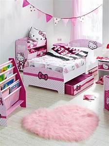 hello-kitty-bedroom-design