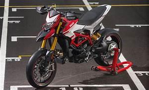 Ducati Hypermotard 939 Sp : 2016 ducati hypermotard 939 939 sp and hyperstrada models launched 115 hp euro 4 compliant ~ Medecine-chirurgie-esthetiques.com Avis de Voitures