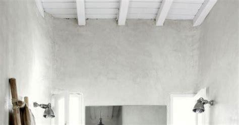 enduit chaux salle de bain tadelakt enduit marocain maison