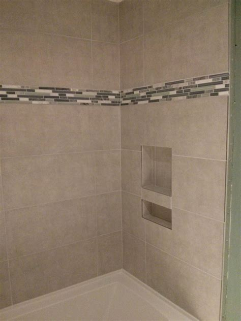 Porcelain Tile Shower With Cubby