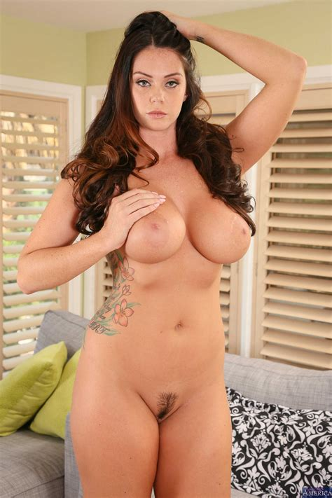 Curvy Girl Likes To Get Completely Naked Photos Alison