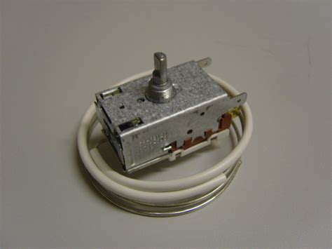 hotpoint fridge and freezer thermostat hpt2600413