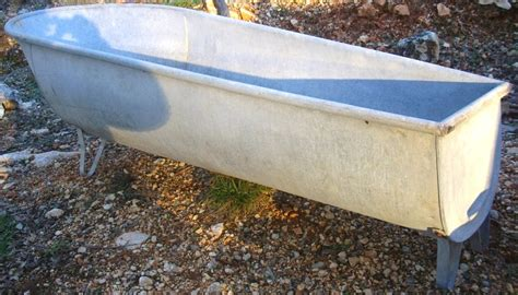 ancienne baignoire en zinc d 233 co meuble de jardin