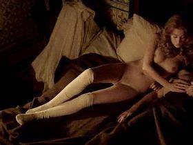 Mary Beth McDonough  nackt