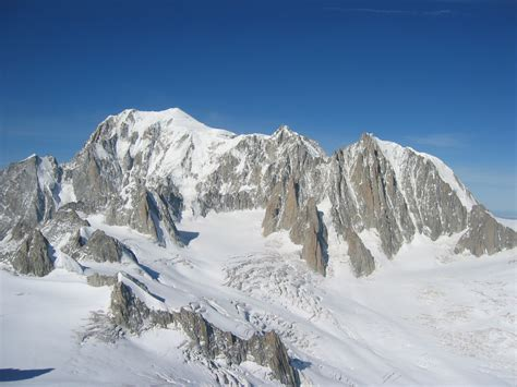 file mont blanc mont maudit mont blanc du tacul jpg wikimedia commons