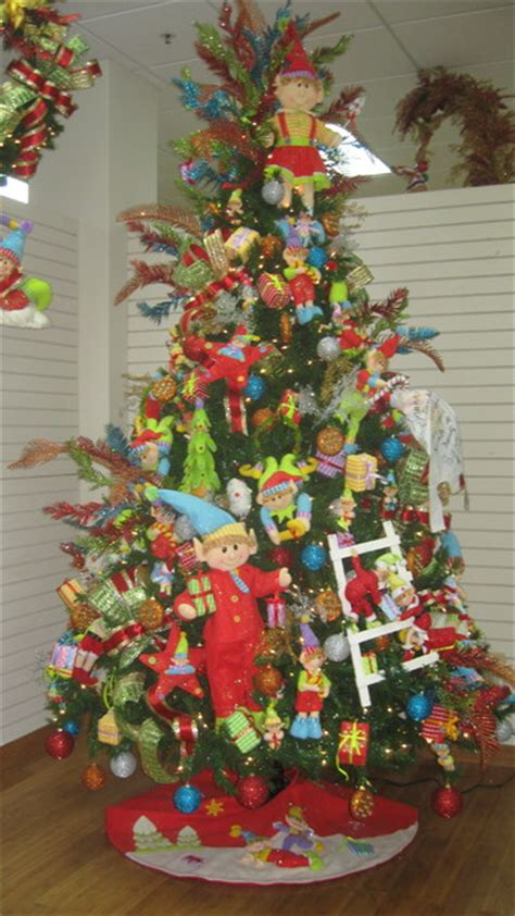 tropical christmas tree decorating