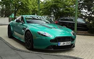 Aston Martin V12 Vantage S : wow v12 vantage s in viridian green aston ~ Medecine-chirurgie-esthetiques.com Avis de Voitures