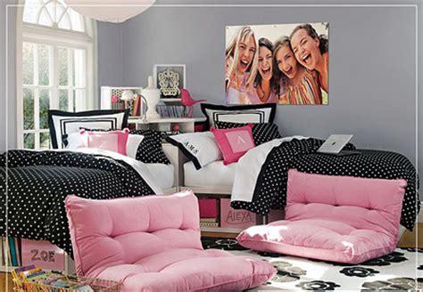 colors chic  desain kamar tidur wanita dewasa