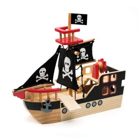 bateau de pirate en bois oxybul pour enfant de 3 ans à 8