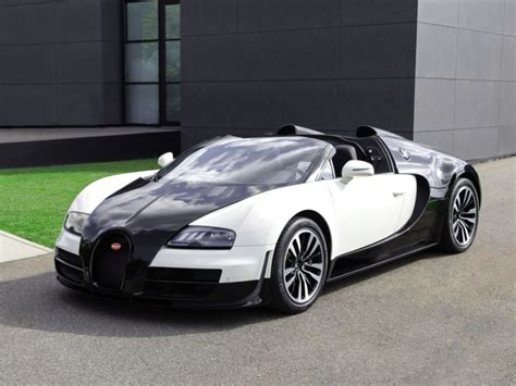 The Expensive 2017 Bugatti Veyron Super Sport Car