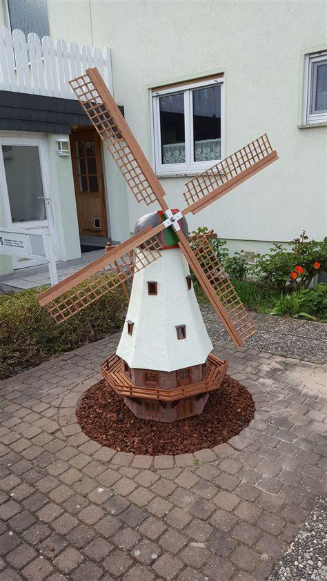 fensterläden mit lamellen selber bauen windm 252 hle f 252 r den hof bauanleitung zum selber bauen vychyt 225 vky garden windmill wooden