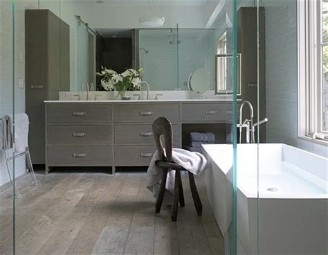 11 Grey Bathroom Ideas