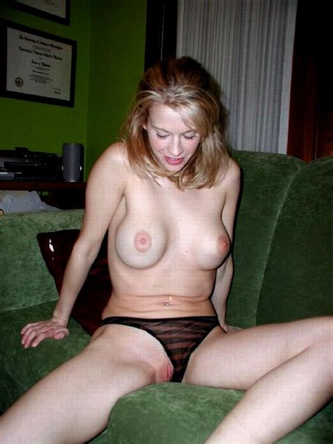 In Gallery Amazing Hot Amateur Blond Milf