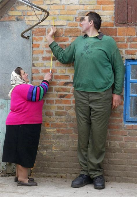 World's Tallest? 8foot4 Ukrainian Man Dies At 44 Ny