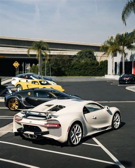 Developed for real estate magnate and supercar. Bugatti Chiron painted in the Hermès color Craie. The car also has a Hermès horse pattern ...