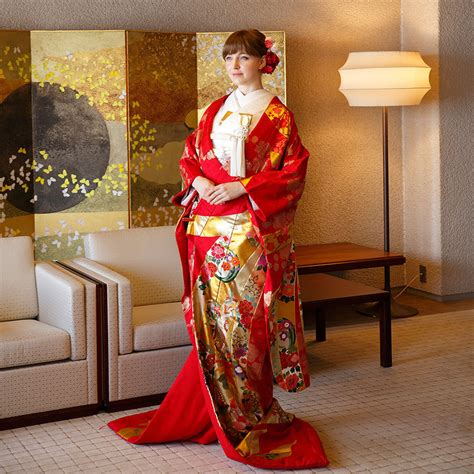 Traditional Japanese Wedding Kimono by Keio Plaza Hotel Tokyo Starts A New Service Providing