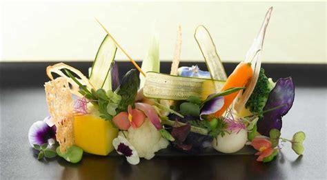 cuisiner avec les fleurs fleurs comestibles comment cuisinier et préparer les
