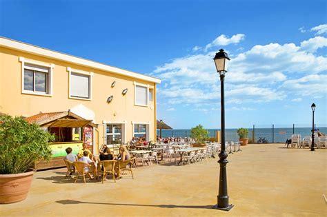 hotel le petit mousse lazurowe wybrzeże francja