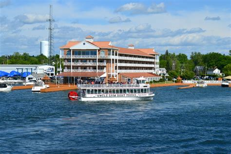 Thousand Island Boat Cruise by New 3 Day Niagara Falls Secret Caverns And 1000 Islands