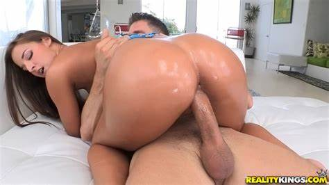 Flawless Trash Massaged Afterwards Banged Lovely Mommy Riding Pole And Knows Head