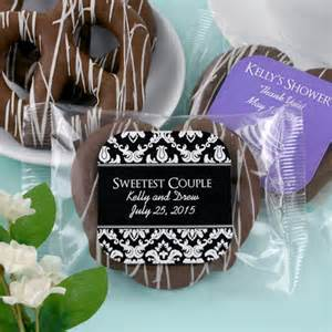edible wedding favors personalized chocolate pretzel edible wedding favors