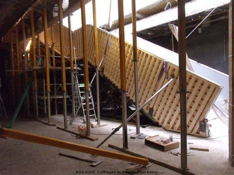 coffrage escalier balance beton coffrage bois pour beton coffrage bois