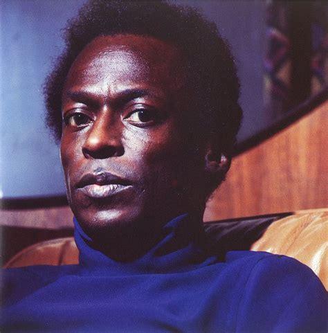 Miles Davis « DIGITAL TO ANALOG CONVERSION