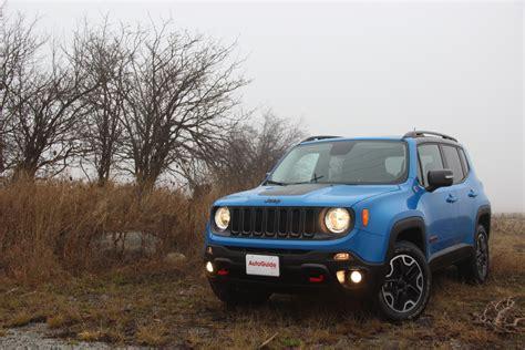 jeep subaru 2016 jeep renegade vs 2016 subaru crosstrek autoguide