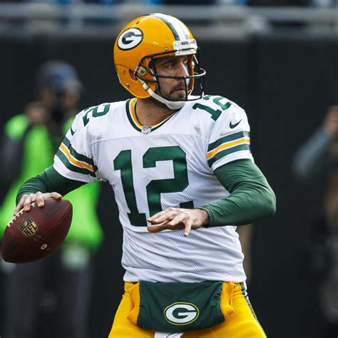 aaron rodgers packers reportedly agree  record  year  contract bleacher report