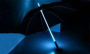 Regenschirm Mit Licht : regenschirm mit led beleuchtung groupon goods ~ Kayakingforconservation.com Haus und Dekorationen