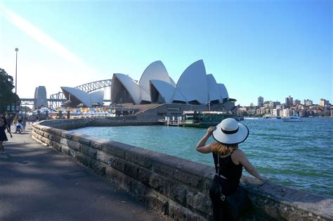 australia tourism bureau walk with cham a 39 s travel guide to sydney australia