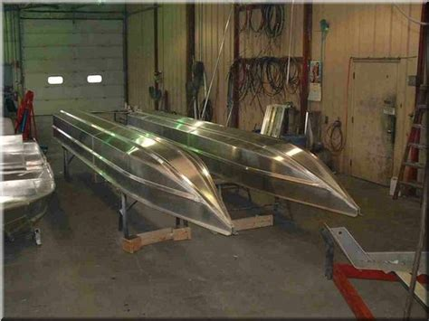 Catamaran Vs Pontoon by Pontoon Boat With Planing Hulls Page 3 Boat Design Forums