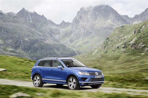 Vw Diesel Recall by Vw Recalls 57 000 Touareg Diesels From Around The