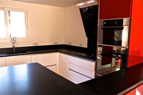 plan de travail cuisine granit noir plans de travail de cuisine marbrerie bonaldi