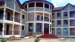 chaque piece de cette superbe maison moderne ouvre sur l With maison toit de chaume 10 petite maison malgache en bois de palissandre