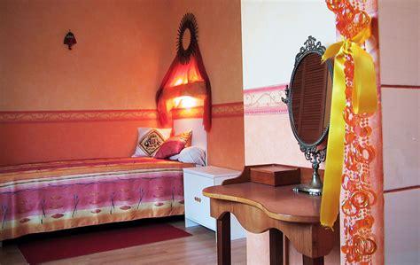 chambre couleurs chaudes les studios et les chambres logement étudiant est