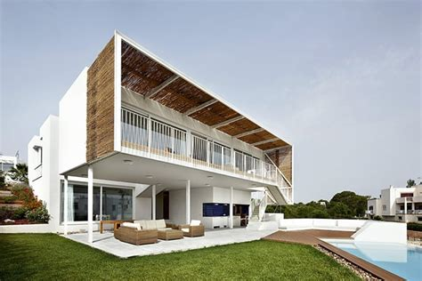 top 10 most architects top 10 most beautiful beach houses across the world presented on designrulz