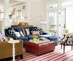Welche Kissen Zu Rotem Sofa : blaue farbpalette f r das interior ihrer wohnung ~ Michelbontemps.com Haus und Dekorationen