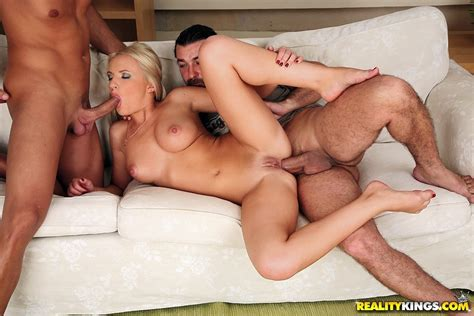 Hot Euro Babe Britney Spring Loves Anal Sex And Double Penetration Fucking Pichunter