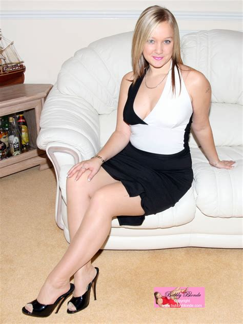 Bubbly Blonde Stocking Shack