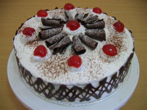 resep membuat kue tart ulang  black forest sendiri