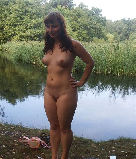 Nice Russian Girl Posing Naked Outdoors And At Bath