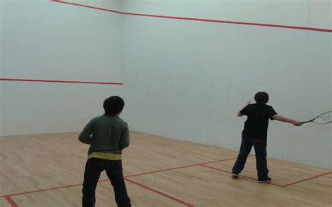 salle de squash equipements de loisirs de la maison de gourette n py